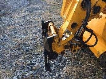 JCB to Universal Skid Steer Adapter